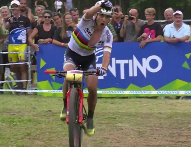Nino Schurter vence todas as provas da taça do mundo 2017