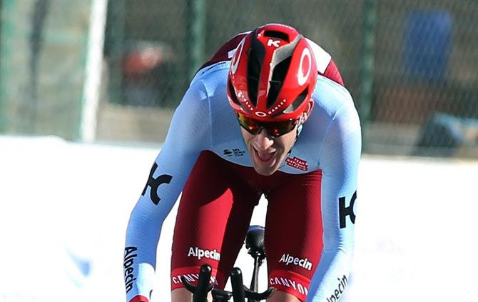 Notícias – Giro 2018 – José Gonçalves faz 3.º na etapa 5