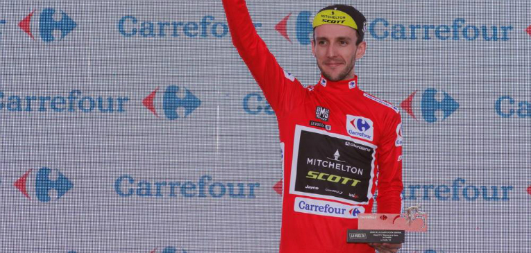 Vuelta, etapa 14 – Simon Yates volta à liderança.