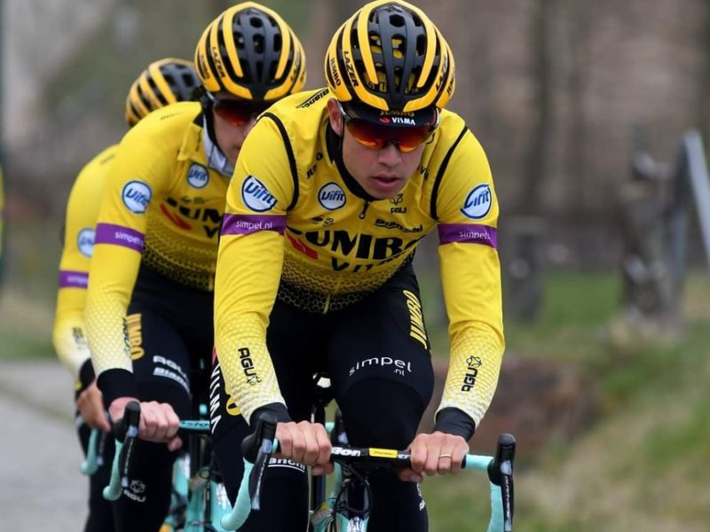 Wout van Aert ofereceu jersey a adepto que encontrou o seu GPS.
