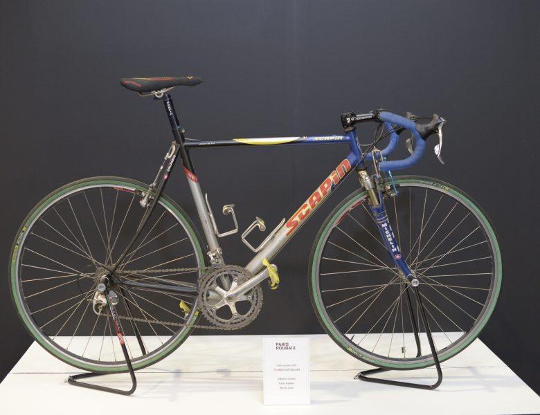 Vê como eram as bicicletas do Paris-Roubaix há 20 anos atrás.