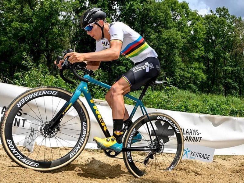 Ciclocrosse – Thibau Nys vence Mathieu van der Poel