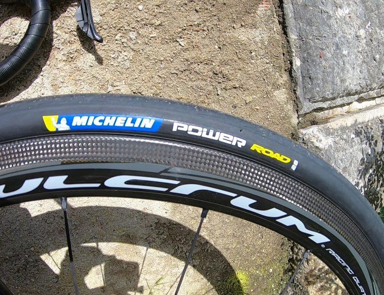 Vídeo – Vantagens pneus Michelin Power Road 28mm.